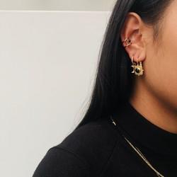 ZAG Bijoux  ZAG Bijoux Black Ear Cuff oorbel  -  Goud