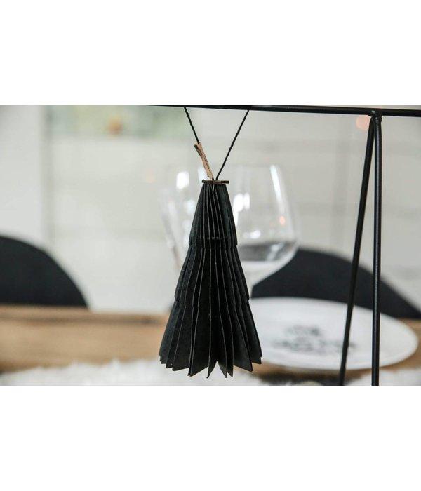 Tannenbäume aus Papier schwarz