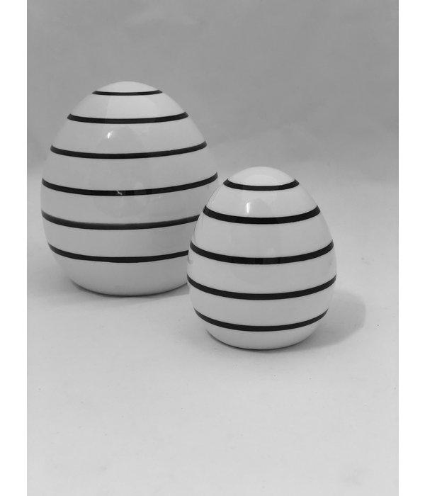 Boltze Ei Finn H 8 cm  weiß/schwarz Punkte klein
