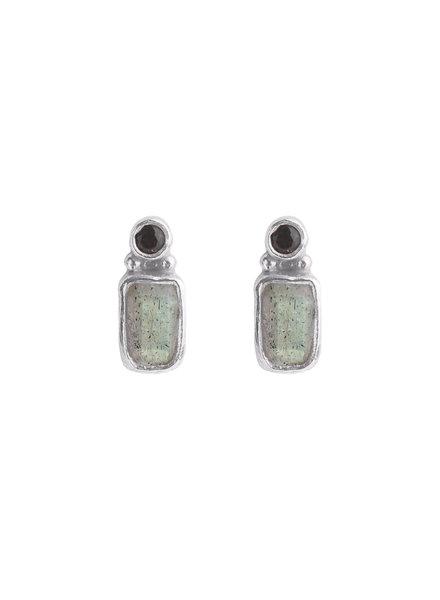 Muja Juma Earring stud rectangle 2mm smokey quartz / labradorite