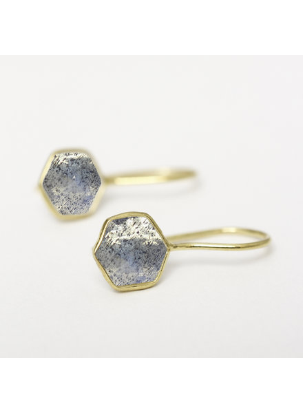 Muja Juma Earring 8mm hexagon labradorite gold plated