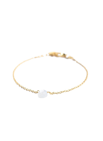 Muja Juma Bracelet 1 drop white moonstone gold plated