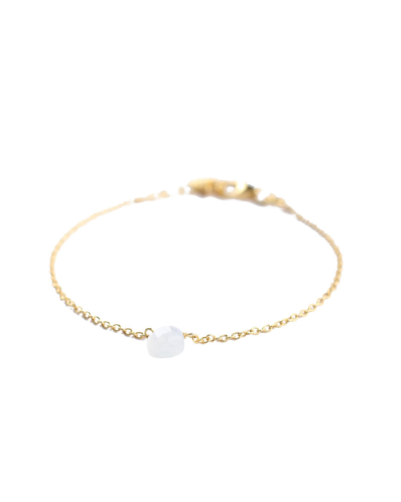 Muja Juma Bracelet 925 Sterling Silver with White Moonstone gold plated
