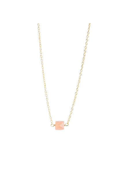 Muja Juma Necklace 5mm square peach moonstone gold plated