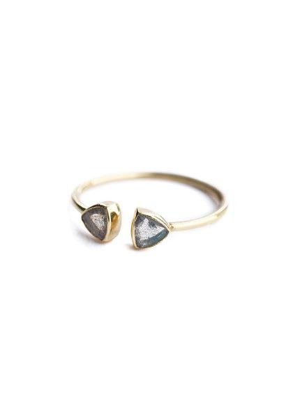 Muja Juma Ring dubbel driehoek verguld