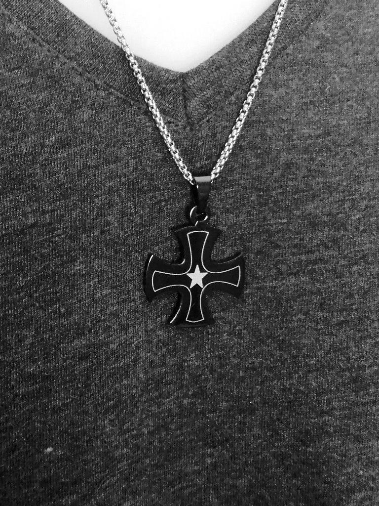 Kreuz Anhänger schwarz mit Stern