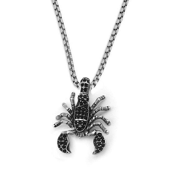 Skorpion Anhänger mit schwarzen Zirkoniasteinchen