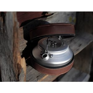 Lemmel Coffee Kettle + Leather Etui