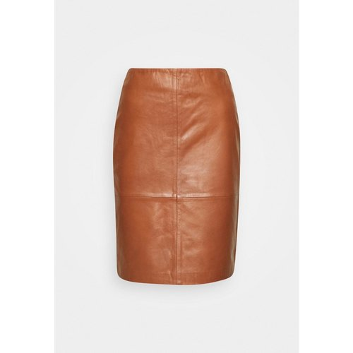 SOAKED in luxury  Folly skirt - cherry