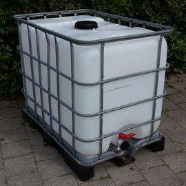 Wasser- Tank 600l / 640l auf Metall- Kunststoff