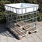 IBC Gitterbox breit für Brennholz überdacht mit Regenwassersammler 200 Liter auf Holzpalette #2H-200-REGEN-USER