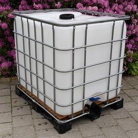 IBC Wassertank 1000-l auf Holz-Vollkunststoff-Palette