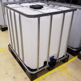 Wassertank 1000 l mit grossem Deckel auf Kunststoff