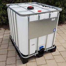 IBC AdBlue-Container 1000l gebraucht auf Kunststoff-Palette
