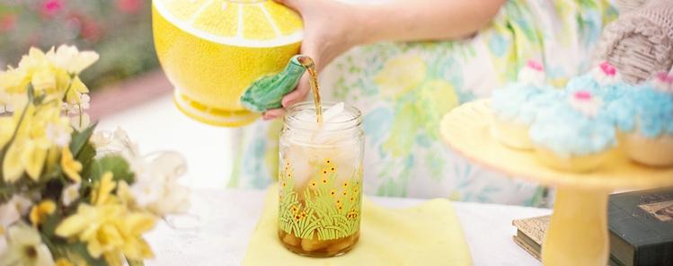 Organiseer een high tea in uw eigen tuin dit voorjaar!