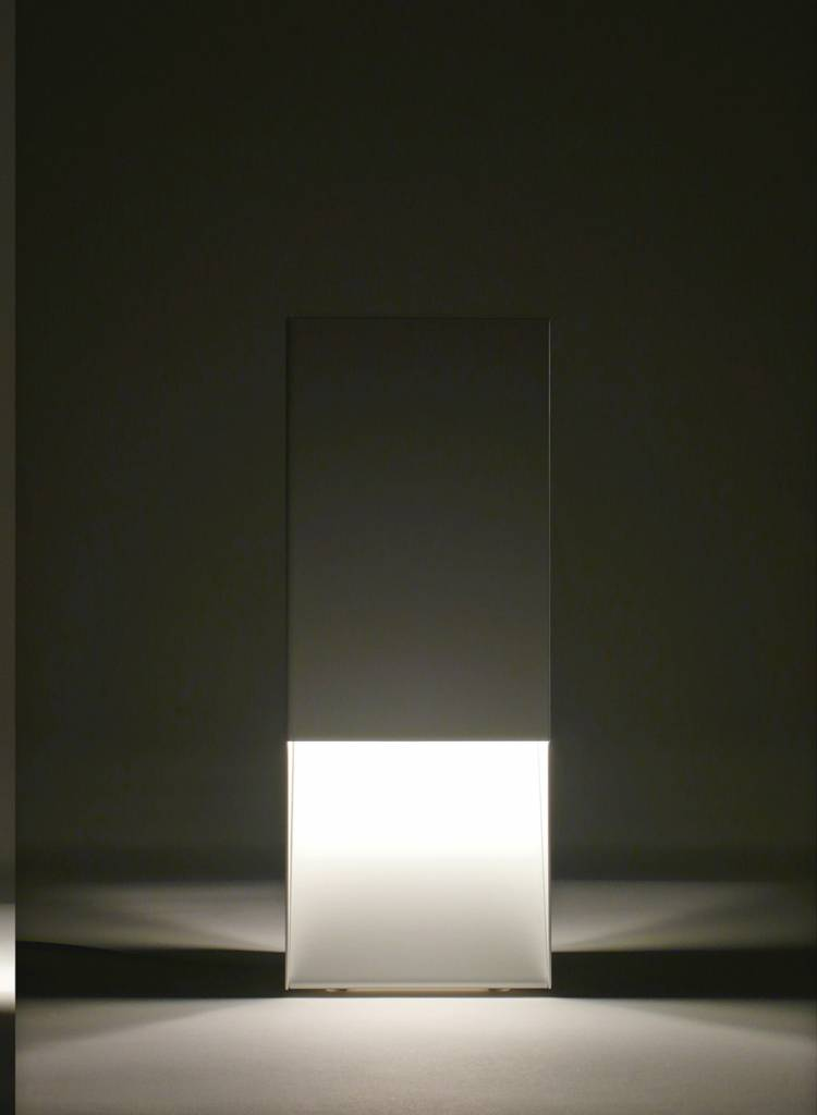 """Linea1 Table lamp """"Linea1_tl.s"""" - Lamp made of galvanized sheet steel"""