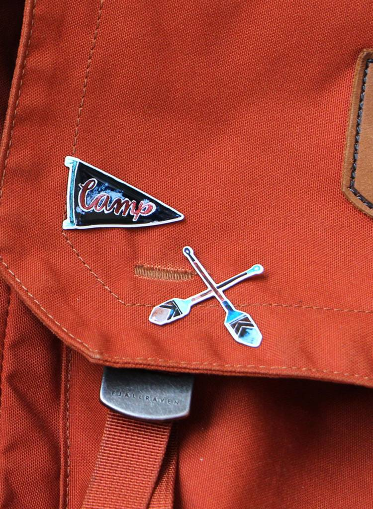 "Gretas Schwester Pin ""Camp"" - with butterfly closure"