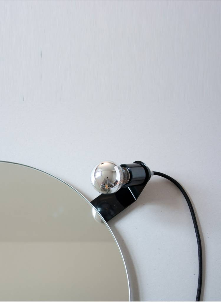 "Toshi Mirror clip lamp ""Skipper"" - Made of powder coated sheet of steel"