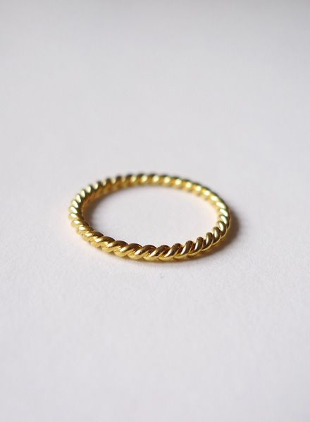 "Felicious Fingerring ""Twisted Gold"" - 925er Silber mit 750er Gold Plattierung"
