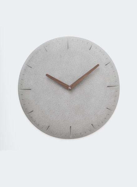 WertWerke Concrete Clock round grey I with wooden needle filled ⌀ 38cm