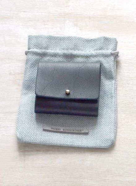 """Yushi Soshiroda Wallet """"Ori"""" a small coin case made of leather in 3 different colours"""