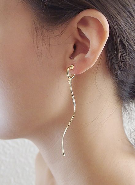 """SIBYLAI Earring """"No.7 Gold"""" made of gold plated  silver with an clip also for non pierced ears"""