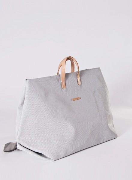Hänska White mesh bag for weekend trips - also wearable as backpack