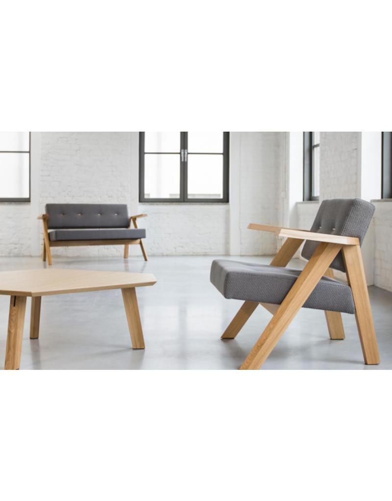 Noti Noti Clapp stoel met houten poten