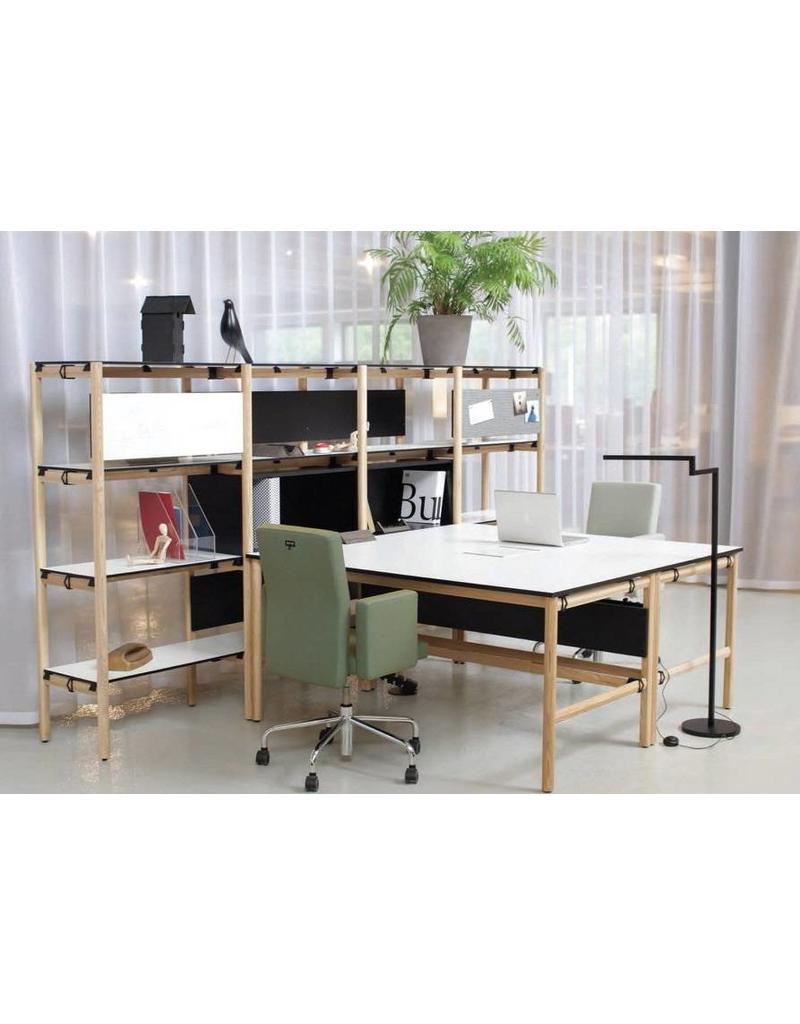 Bulo Bulo DAN bureaueiland met vaste kast