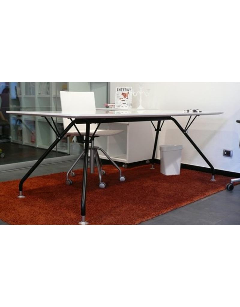 Ultom Ultom Prospero bureau met gelakt houten blad