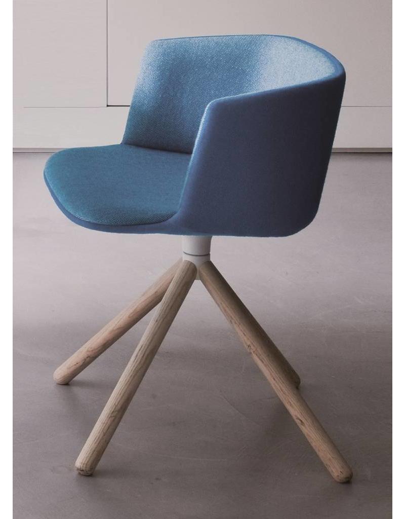 Lapalma Lapalma Cut stoel met houten poten