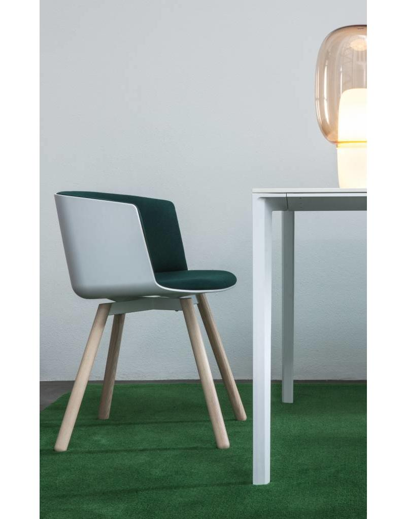 Lapalma Lapalma Cut stoel met rechte houten poten