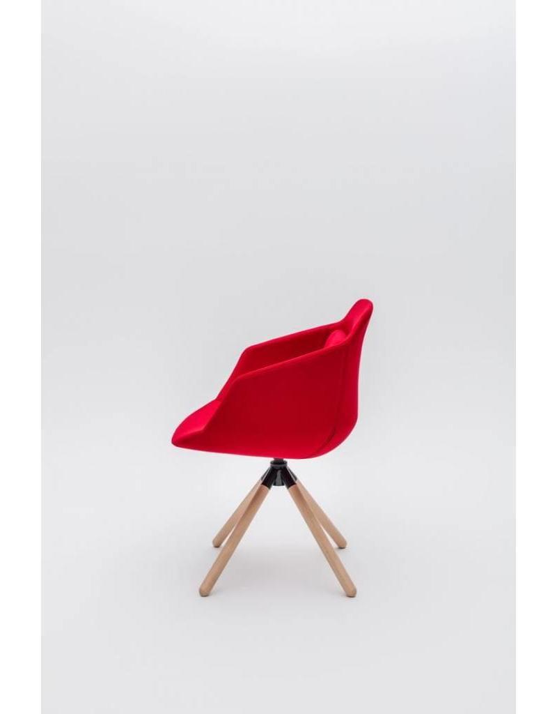 MDD MDD Ultra FW conferentie stoel met houten kruisvoet