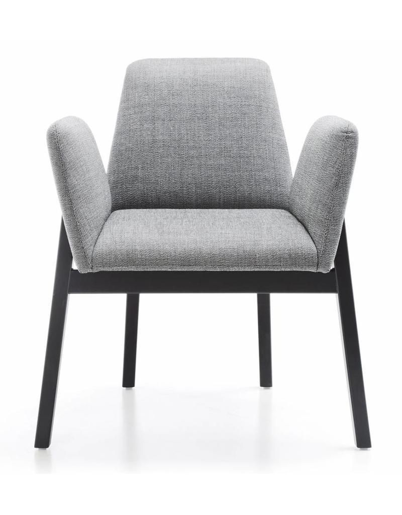 Noti Noti Manta lage stoel met houten poten