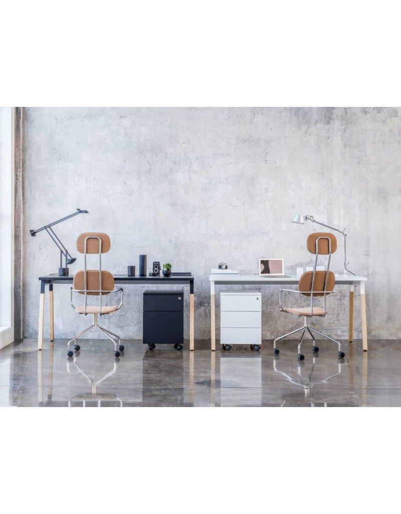 MDD MDD Ogi-W bureau's en werkplekken met houten poten