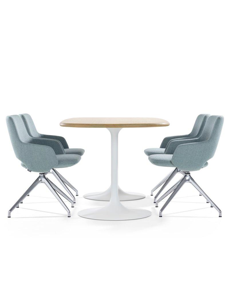 Artifort Artifort Clarion bootvormige vergadertafel