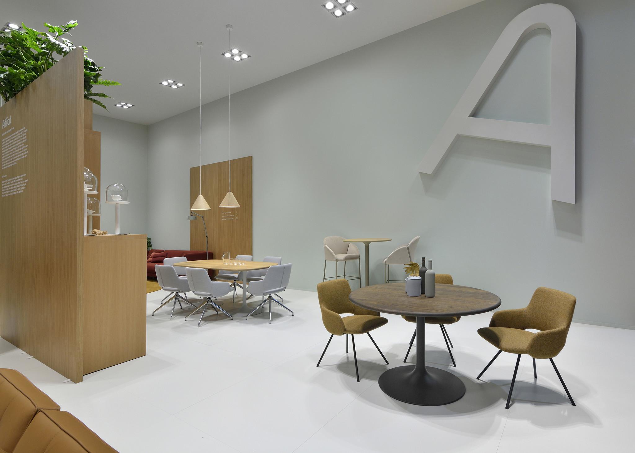Artifort Design Salontafel.Artifort Clarion Bistro Tafel 74 Hoog O 80 100 Cm