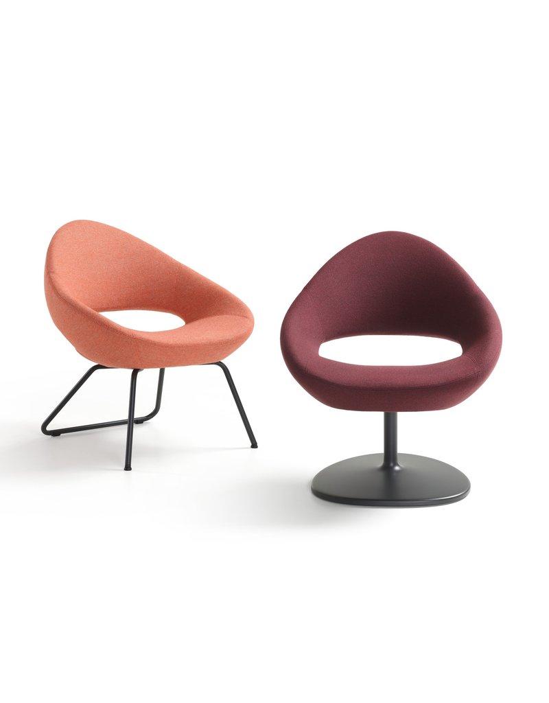 Artifort Artifort Shark Lounge fauteuil met schijfvoet
