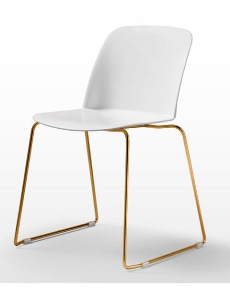Quinti Quinti Deep Plastic stoel met sledeframe