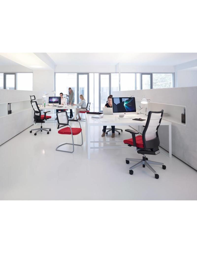 Interstuhl Interstuhl AirPad bureaustoel met hoofdsteun en armleuningen