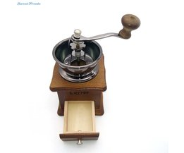 Retro ontwerp Mini Handleiding Koffiemolen door Sweettreats Koffieboon Molen met Hout Stand Kom & Antieke Hand <br />  sweettreats