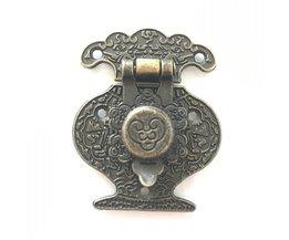 Houten Sieradendoos Vaas Gesp Metalen Doos Kluwen Klink Decoratieve Hasp Antieke Bronzen Patroon Gesneden, 40mm x 51mm