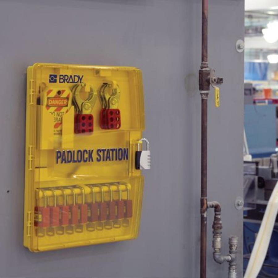Portable padlock station 811218