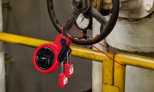 New Retractable cable lock-out devices S856 and S866 from Master Lock