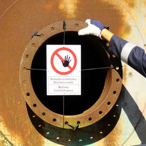 Confined Space Barrier Sign