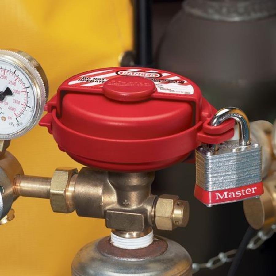 Pressurised gas valve lock-out S3910