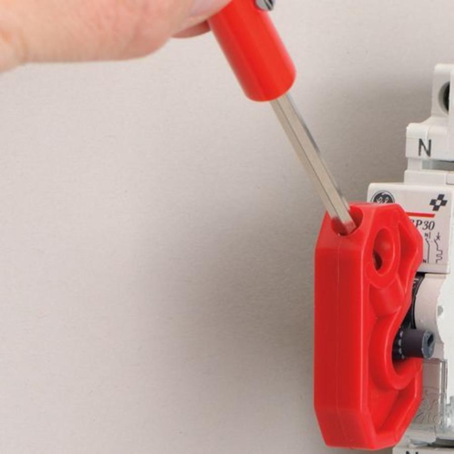 Universal circuit breaker lock-out S2393