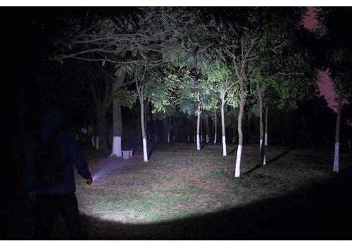 Daily use flashlights
