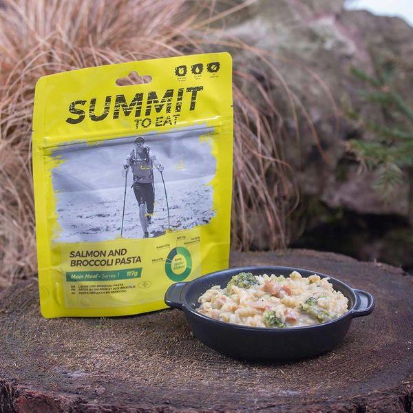 Summit to eat Zalm met broccoli en pasta