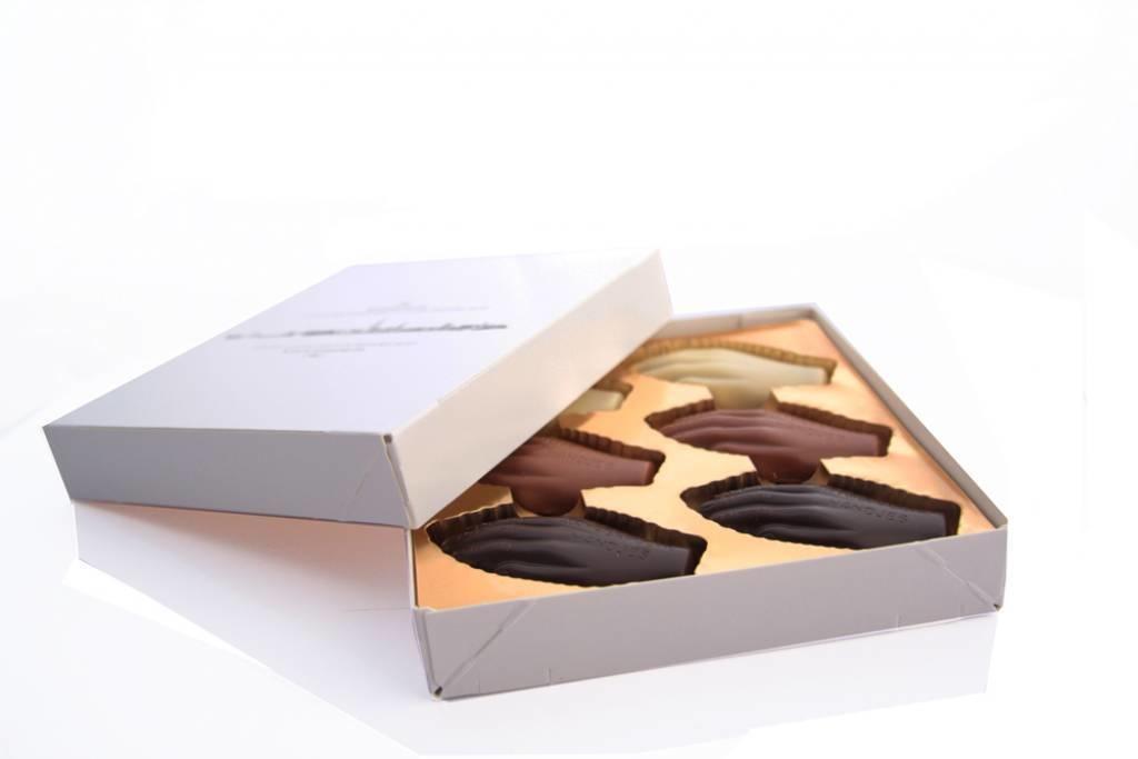 Antwerpse Handjes - chocolade gevuld - kleine doos 12 st